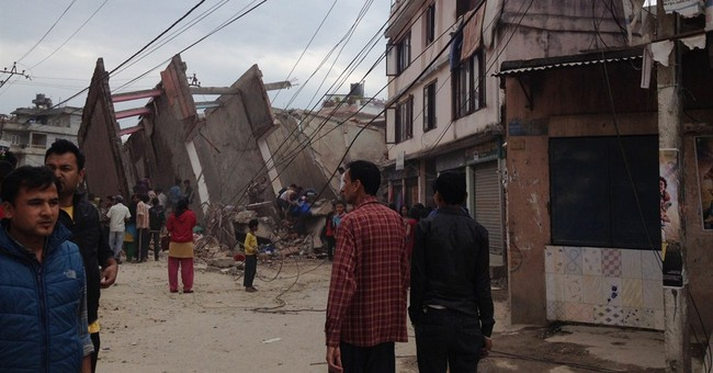 Aid starts coming to Nepal after quake kills 1,865