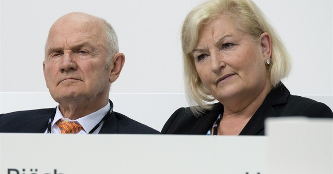 Volkswagen chairman Piech resigns after dispute over CEO
