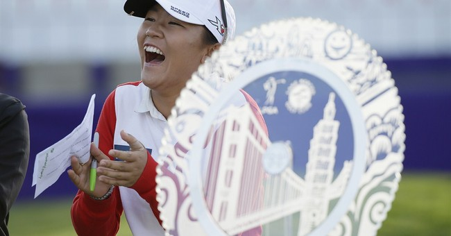 Lydia Ko donating earnings to Nepal relief effort