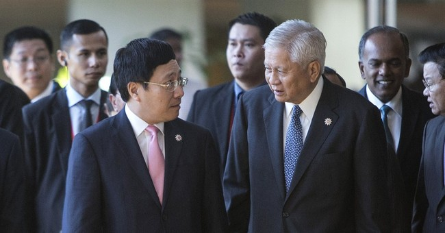 Philippines urges ASEAN to stop China in South China Sea