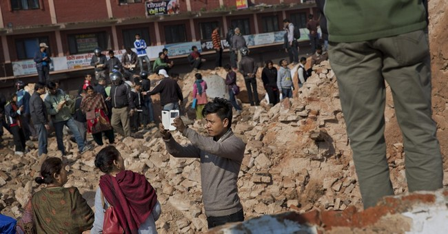 Modern tragedy: Quake-ravaged Nepal tower a site for selfies
