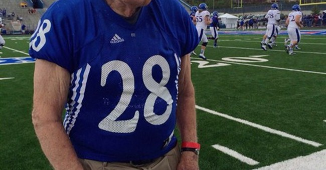 89-year-old former Kansas player scores in alumni scrimmage