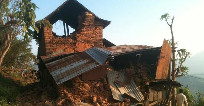 Global effort to help Nepal earthquake victims intensifies