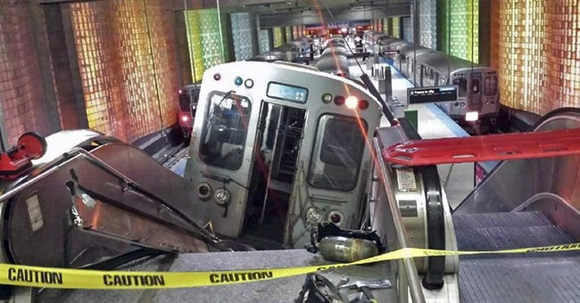 Chicago transit agency blamed for airport train derailment