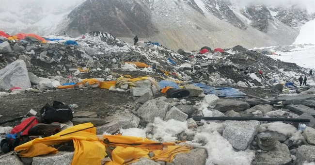 Following Nepal quake, climbers say Everest season is over