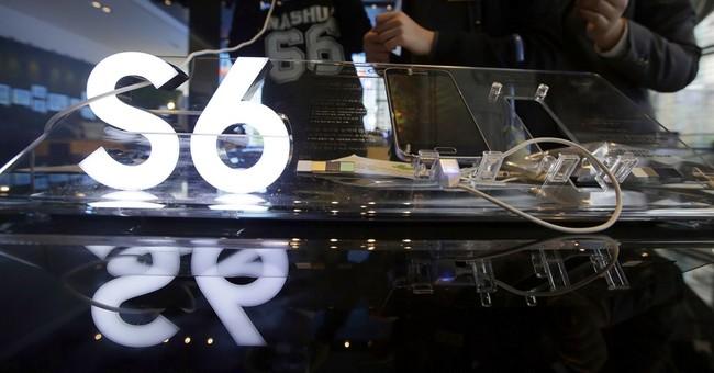 Samsung's profit hit by bigger iPhones, sinks 39 percent