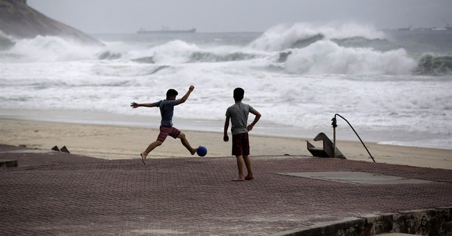 World Surf League nixes polluted Rio beach for competition
