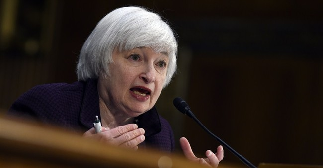 Noting slower economy, Fed appears no closer to a rate hike