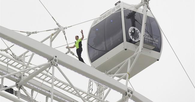 Daredevil's latest feat: Wallenda walks giant Ferris wheel