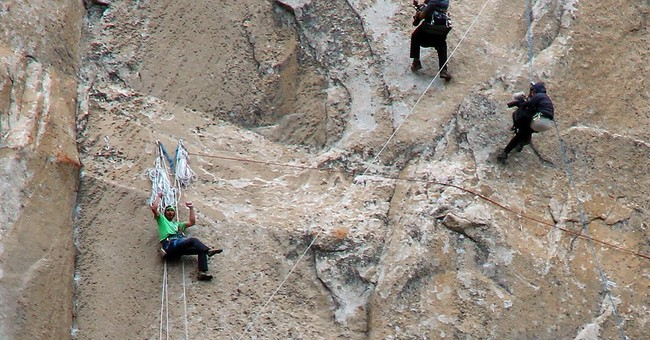 Yosemite climbers push to finish El Capitan ascent