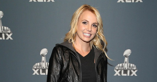 Britney Spears injures ankle on stage, cancels Vegas shows