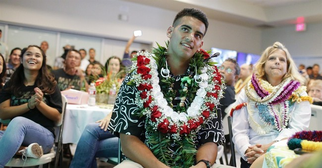 It's Beats over Bose for Mariota and Winston