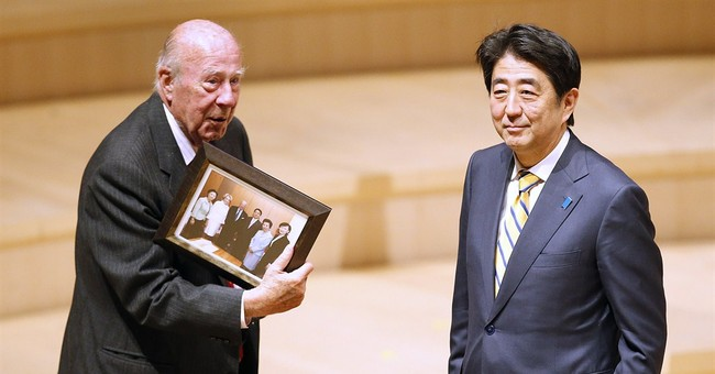 Japan prime minister touts economic synergy with US in visit