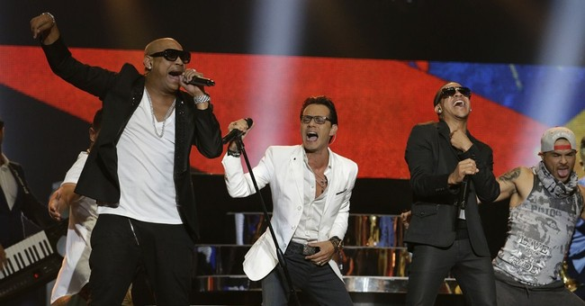 Romeo Santos and Enrique Iglesias sweep Latin music awards