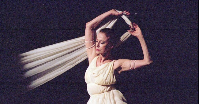 Ashes of ballerina Plisetskaya to be spread over Russia
