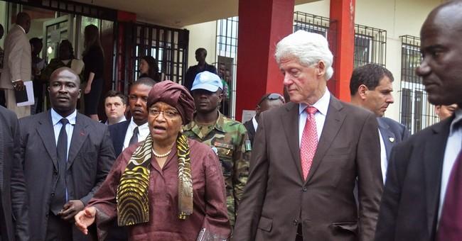Former US leader Clinton praises Liberia progress on Ebola