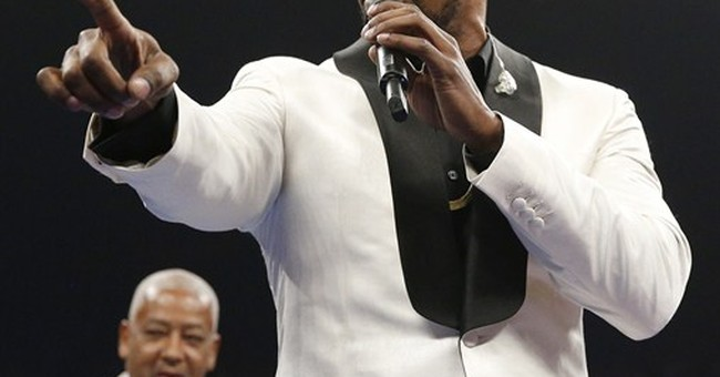 Foxx says anthem performance was not 'a sin against America'