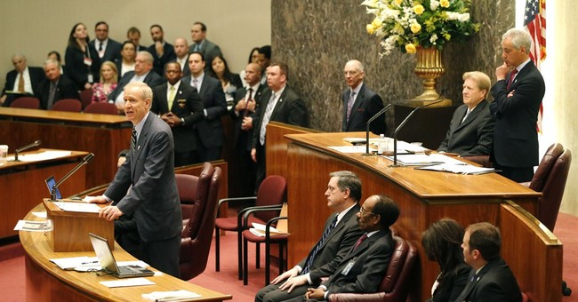 GOP Gov. Bruce Rauner says Illinois can't bail out Chicago