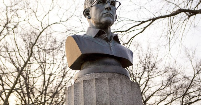Activists ticketed for putting Snowden bust on NYC monument