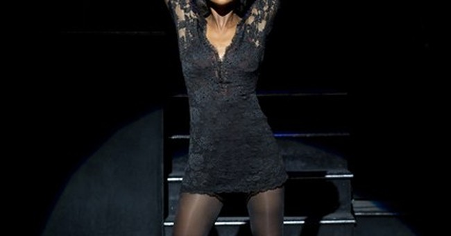 Singer Brandy enjoying her Broadway debut in 'Chicago'