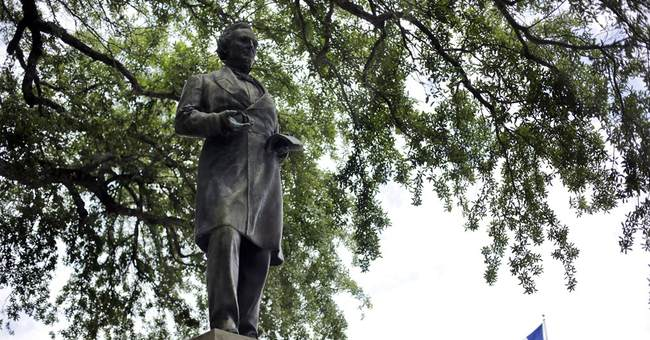 Texas students take aim at Jefferson Davis campus statue