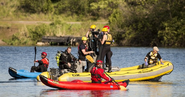 Official: 2 dead after plane crashes into Spokane River