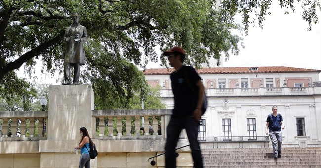 Texas students take aim at Jefferson Davis campus statue