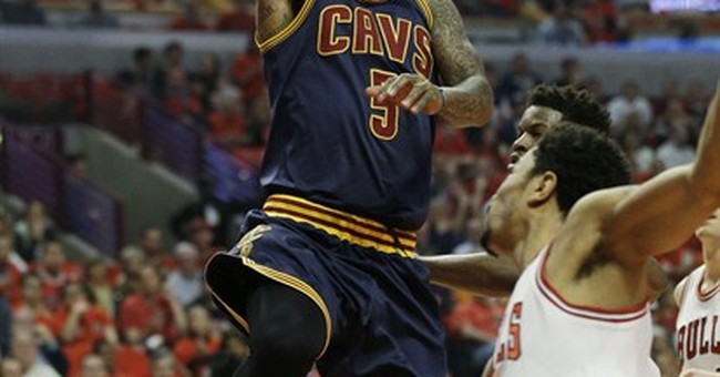 Rose banks in 3 at buzzer to lift Bulls over Cavaliers 99-96