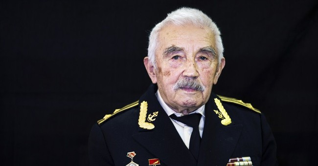 AP PHOTOS: Veteran pride as Russia marks victory in Europe