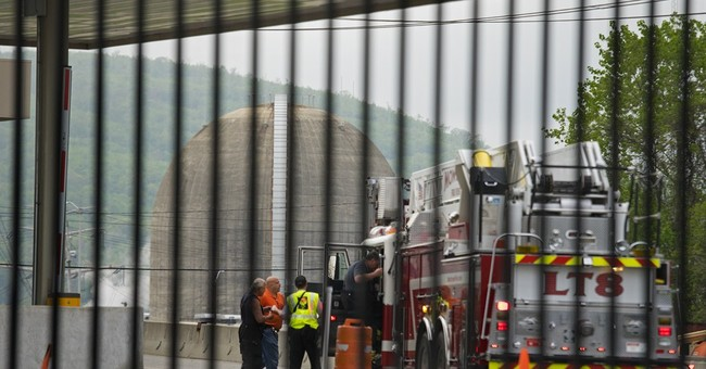 Governor says nuclear plant fire produced Hudson oil slick