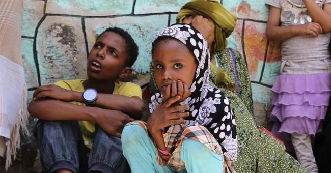 Saudi coalition airstrikes hit rebel stronghold in Yemen