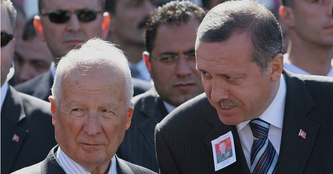 Former Turkish president, coup leader, Evren dies at 97