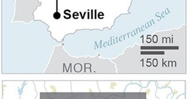 Spain's leader praises men who helped plane crash survivors