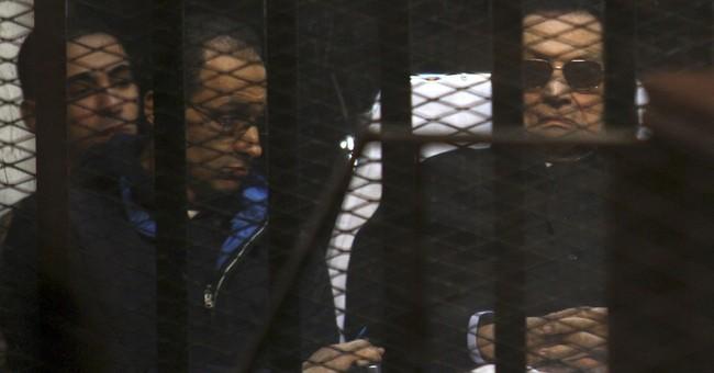 Egypt court overturns last Mubarak conviction. Will he walk?