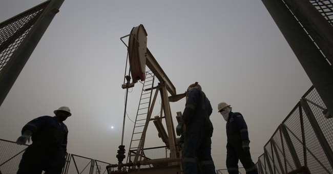 Government predicts shale slowdown as oil falls