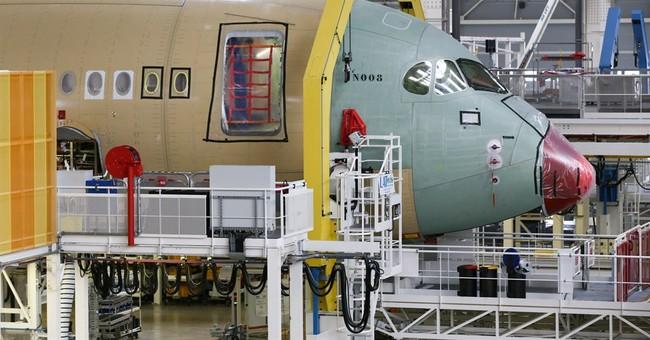 Airbus, Boeing split annual sales rivalry