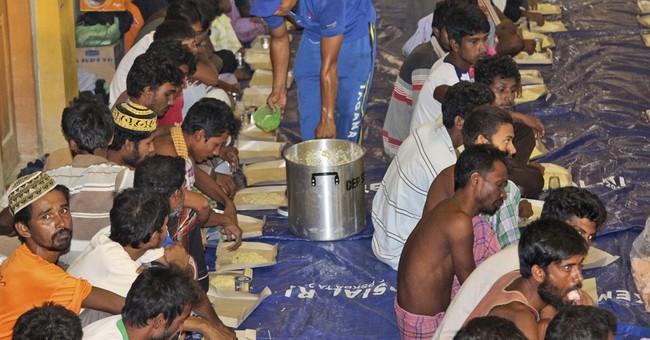 Up to 6,000 Rohingya, Bangladeshi migrants stranded at sea