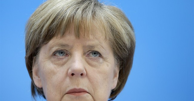 Merkel rejects suggestions public misled over 'no-spy' deal