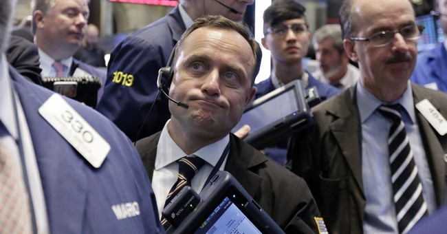 US stocks move lower amid bond market volatility