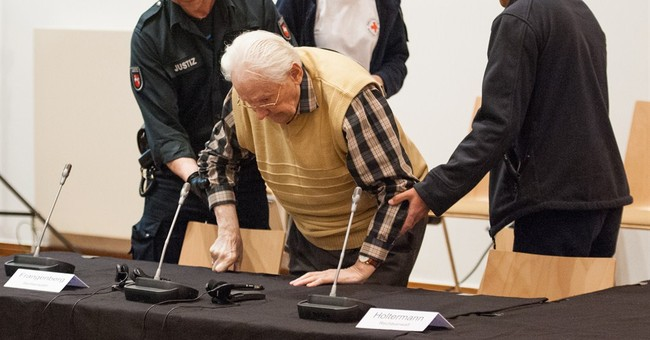 Former Auschwitz guard again fit for trial in Germany