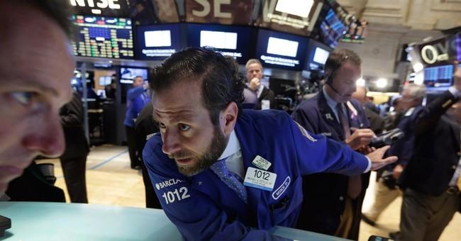 US stocks move lower amid bond market volatility