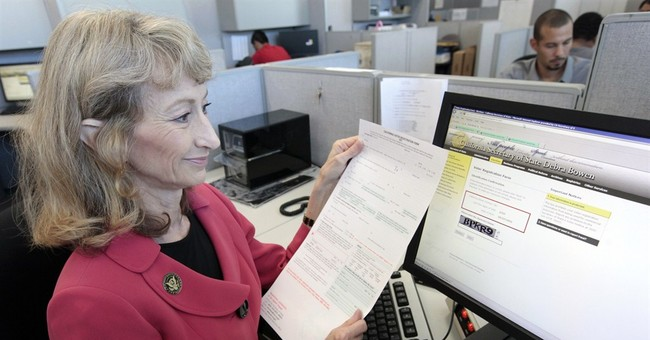 Record number of Americans can register online, vote early