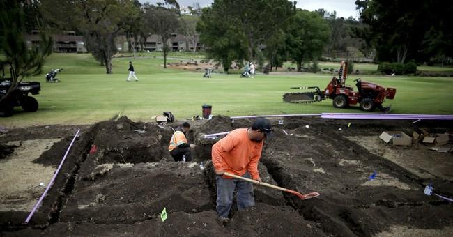 California golf courses tee up water-saving measures