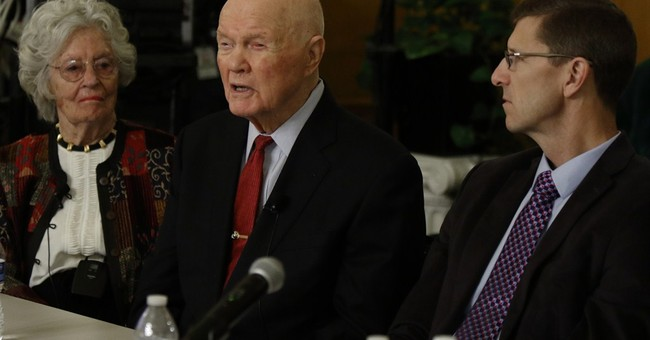 Astronaut John Glenn, 93, weathers health difficulties