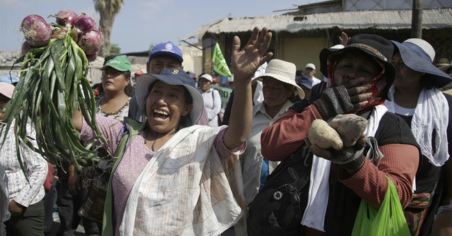 Violent anti-mine protest leaves 12 injured in south Peru
