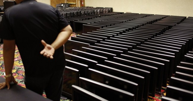 Everything must go! Doomed Vegas casino has liquidation sale
