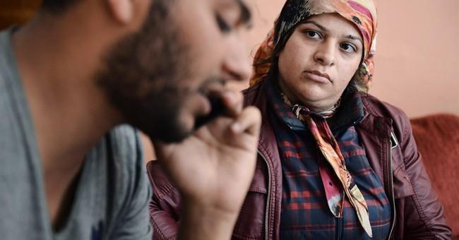 Traffickers swindle migrants, sending them back to Greece