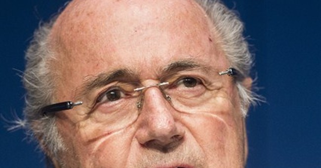 Blatter to visit US in 2016, rejects talk of avoiding FBI
