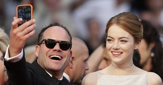 CANNES WATCH: Man flouts no-selfie guidelines on red carpet