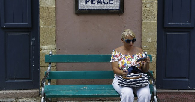 Cyprus' rival leaders restart peace talks after hiatus